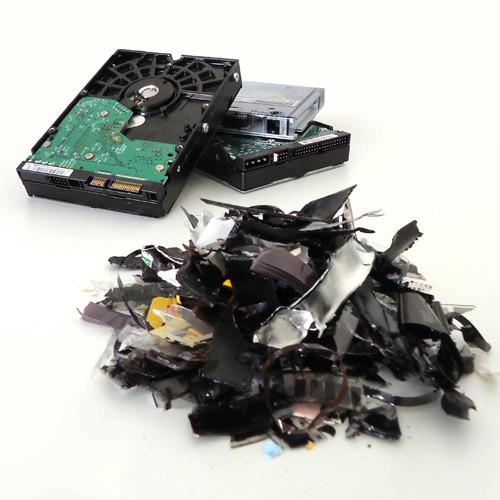 Destruction-disque durs-médias numériques-hard-drive
